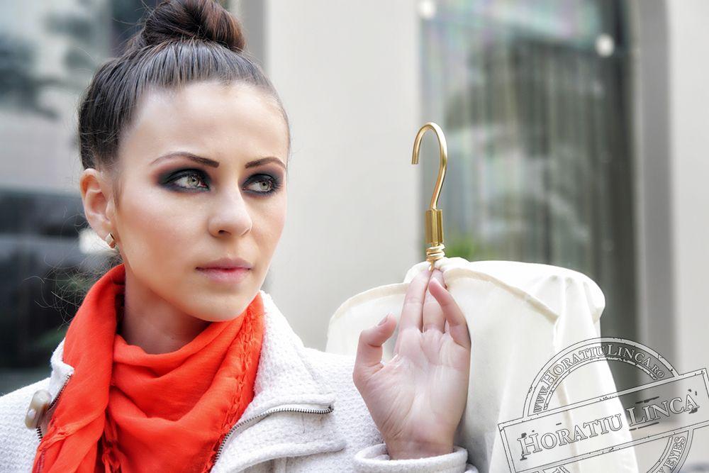lifestyle fashion photography Adela Neagu Next Top Model Romania copyright Horatiu Linca fotografii de moda si modeling - pregatire pentru shooting